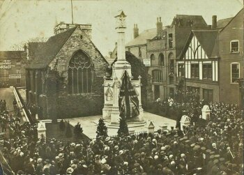 The City War Memorial being unveiled in November 1922.
