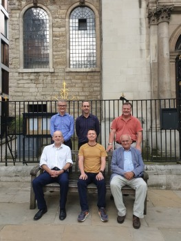 The City of London has kindly provided a bench outside the church for band photos!